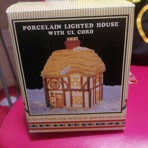 Devonshire Village- Porcelain Lighted House Pub